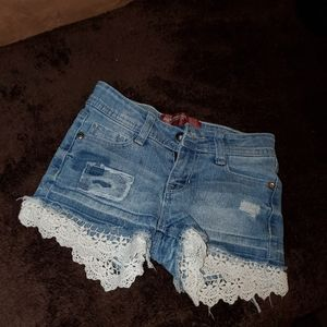 Lacey and ripped Arizona jean shorts( kids)